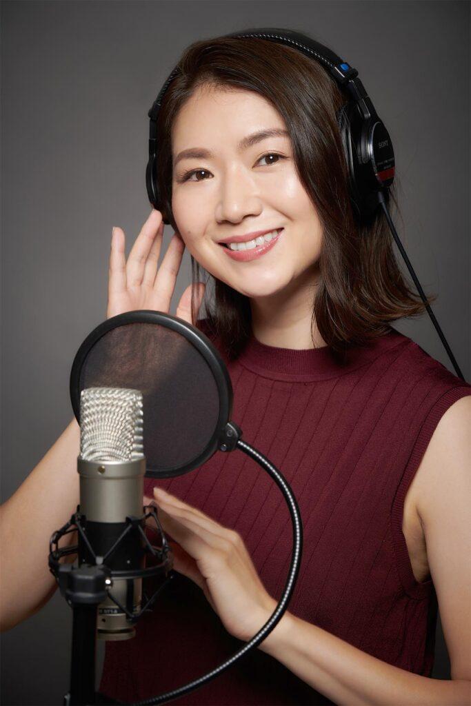 Momoyo Oyama | Female Japanese/English Voice Over Artist -About Me-